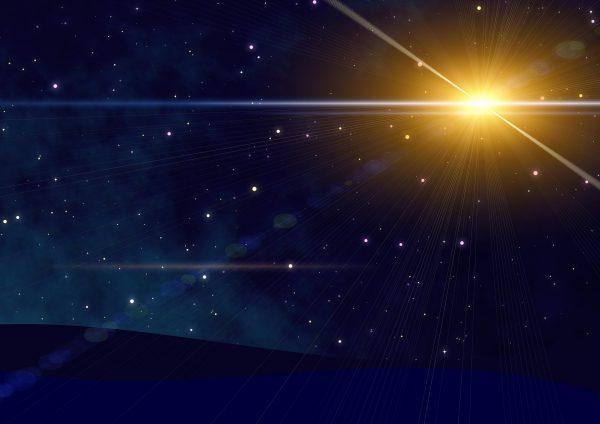 Rauhnächte-Rituale - nutze die Energie der besonderen Zeit für das neue Jahr - 6. Tag Willkommen zu deinem 6. Tag der Rauhnächte Rituale! Nutze die Energie dieser besonderen Zeit für das neue Jahr Rauhnächte-Rituale - 6. Tag - Bereinigung Halbzeit, Du Liebe(r)? Wie geht es dir? Heute ist der 6. Tag, also Halbzeit. Wie fühlst Du dich? Ich frage, weil es durchaus sein kann, dass Du nun, wo Du dich einige Tage schon sehr intensiv mit dir selbst, deinen Wünschen, Plänen und Vorhaben, aber auch mit dem Verarbeiten des vergangenen Jahres und den Menschen und Situationen beschäftigst, auch einige deiner Themen an die Oberfläche kommen. Das kann durchaus auch nicht immer angenehm für dich sein. Ich teile diese Erkenntnis deshalb heute ganz bewusst mit dir und spreche dir Mut und Zuversicht zu. Vielleicht nimmst Du dir ja auch sonst viel Zeit für dich, vielleicht sind aber auch diese Tage eine Ausnahme zum übrigen Jahr und Du bist mehr als sonst mit dir alleine. Schaue dir stets alles, was hochkommt genau an. Das gehört alles zu dir und Emotionen kommen jetzt einfach besser ins Fließen. Das können sehr alte Ereignisse sein oder auch Dinge aus der näheren Vergangenheit. Nimm alles wahr und habe dich lieb dafür. Was heraustritt, das kann dich nicht mehr belasten. Verabschiede, was dir nicht mehr dient und lasse es im alten Jahr zurück. Wann immer Du ein Wort oder einen Begriff dafür findest, kannst Du es auf einem kleinen Zettel notieren und diesen ganz bewusst verbrennen. Dieses Ritual ist eines der kraftvollsten für solche Angelegenheiten. Nutze es also für dich. Solltest Du Fragen haben, dann wende dich gerne jederzeit an mich. Jetzt zum Tagesthema, das, wie ich finde besonders gut dazu passt. SECHSTERAUHNACHT – Nacht vom 29. auf den 30. Dezember 2018 – Juni 2019 – Thematik:Bereinigung 29./30. Dezember ~ Monat Juni ~ Bereinigung und Loslassen Es geht um den Übergang vom Alten in das Neue, darum, was Du zurücklassen und was Du mitnehmen möchtest Dein Ritual für heute: Aufräu